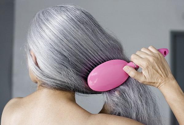 科学家能改变细胞色素合成:人类有望告别白头发