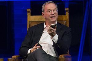 谷歌母公司董事长承认自己用iPhone