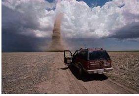 2008年美国堪萨斯州大草原上空的陆龙卷