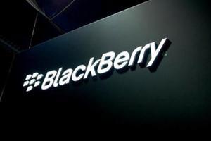 黑莓第一财季售出50万部手机 净亏损6.7亿美元