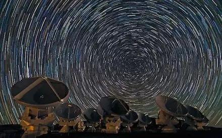 阿塔卡玛大型毫米波天线阵(ALMA)
