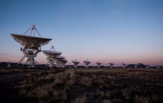 美国甚大阵射电千里镜(VLA)
