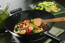 流言揭秘:铁锅炒菜是不是就不用担心缺铁了?