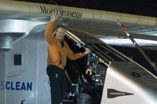 完成环球壮举:全球最大太阳能飞机将抵达终点