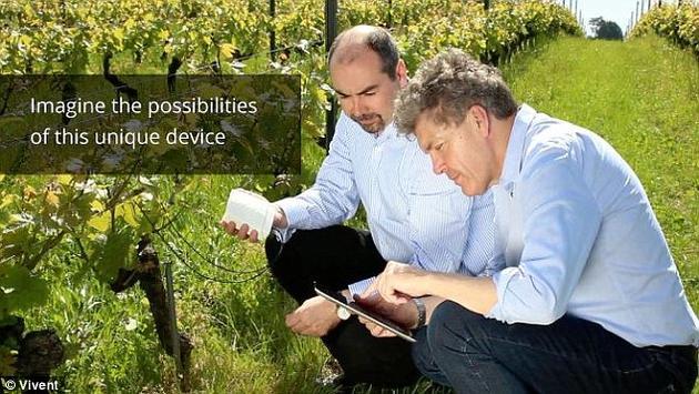 """""""Phytl信号探测器的目标是,了解植物交流的内容是什么,并利用这些信息为植物创造最优的生长环境。""""他们的众筹网页上这样写道。"""