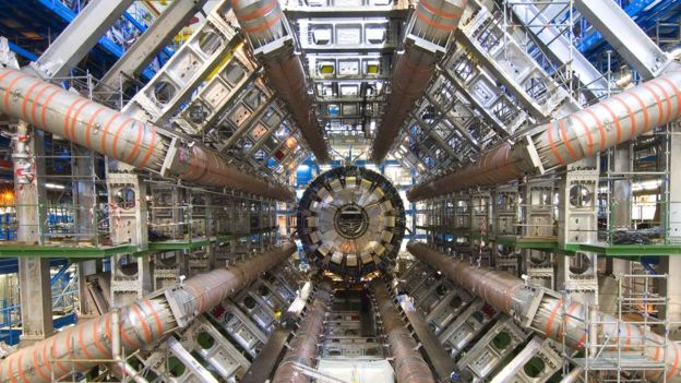 大型强子对撞机Atlas探测器曾经发现一种新型粒子存在的迹象。