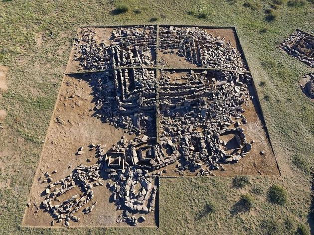 哈萨克斯坦发现史前金字塔 或比埃及早1000年 (新浪科技配图)