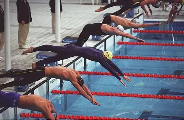 悉尼奥运会上,泳衣的差异开始变大