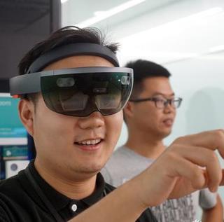 微软HoloLens体验:不一样的世界