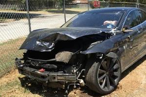 又双叒出车祸,特斯拉自动驾驶功能真的很危险?
