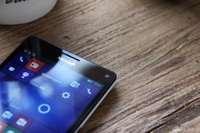 新一代机皇现身?Windows手机刷成安卓