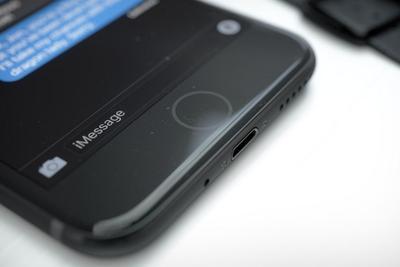 外媒爆料:2017版iPhone或抛弃标志性的Home键
