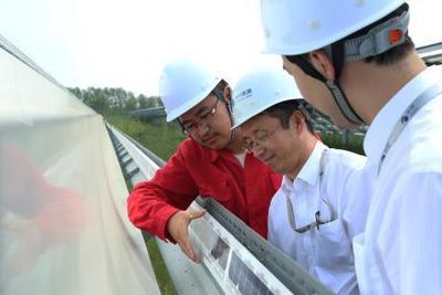 """光伏产业树立微米级""""中国标准"""":质量是我们的生命"""