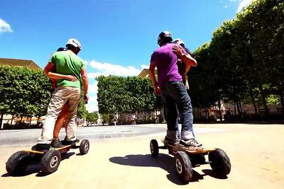央视:电动滑板车很潮?但也很危险!既违交规又有隐患