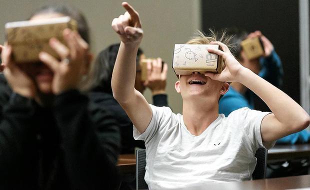 VR交互黑科技:能用手直接抓取VR物体