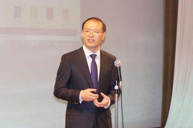 研发世界首个液态金属机器的清华大学医学院生物医学工程系教授刘静