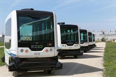 迪拜试运营无人驾驶客车 将在最繁华路段行驶