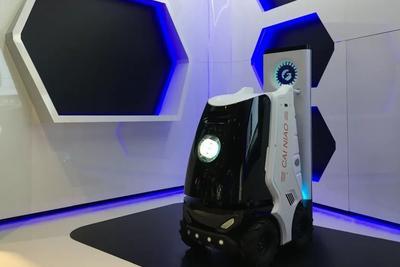 菜鸟网络发布配送机器人 能开电梯会让路