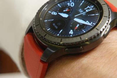 三星Gear S3智能表发布 增加GPS与支付功能