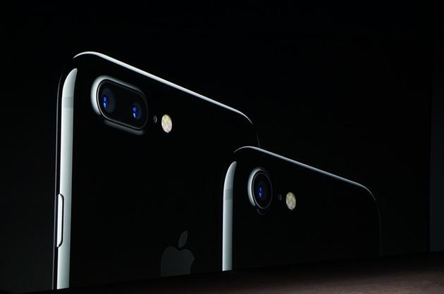 iPhone 7 Plus加入双摄像头