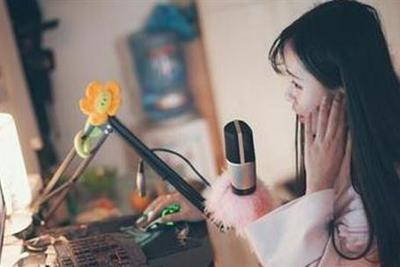 广电总局:网络直播抵制低俗 需依法开展相关业务