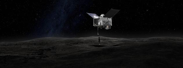 """艺术示意图:OSIRIS-Rex探测器正使用""""着陆-离开样品获取机构""""(TAGSAM)对贝努小行星进行取样"""