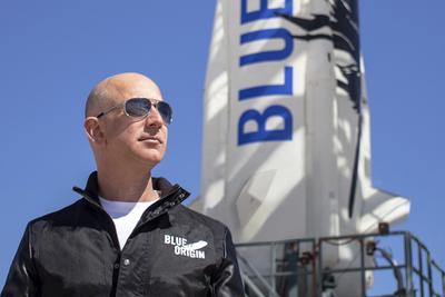 马斯克别哭:贝索斯将建造更强火箭 挑战SpaceX