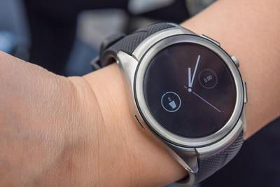 Android智能手表遇冷:LG华为联想今年或不推新品