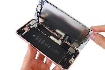 苹果7 Plus拆解:苹果为了防水居然用起了胶水?