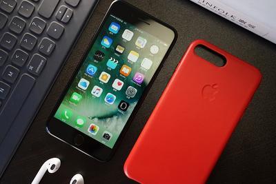 iPhone7香港开卖:盛况不再 多数顾客取到手机转手卖给黄牛