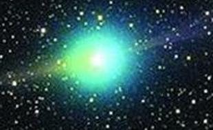 哈勃目睹45亿年古老彗星解体过程