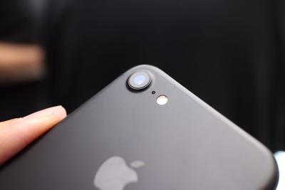 苹果今日向全球30个国家和地区推出iPhone7/7 Plus