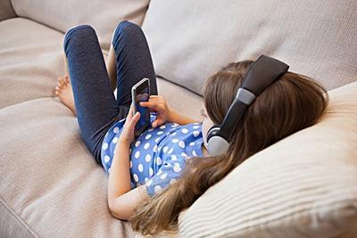 国内儿童网络安全研究报告:五成孩子不加父母微信