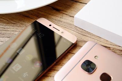 手机周刊:新机频曝 骁龙821首发机型是它