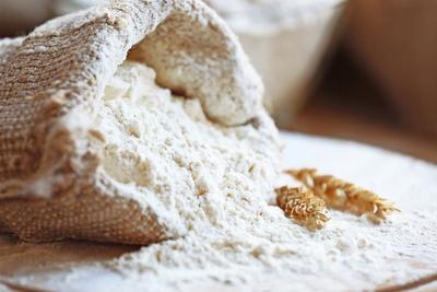 陕西一面粉厂遭遇电信诈骗 被骗走520袋面粉