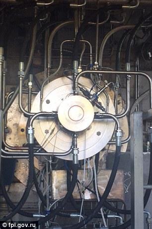 """该系统利用爆震波点燃燃料和氧化剂,燃料是一种被称为""""液氧煤油配对""""的清洁燃料。"""