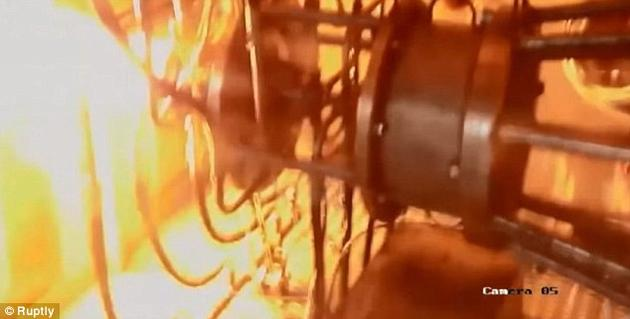 俄罗斯高等研究基金会表示,这是世界上首个成功演示的全尺寸脉冲爆震火箭发动机。