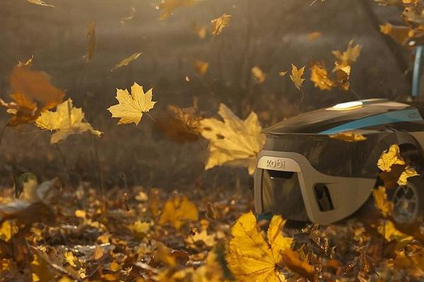 全球首个全自动园丁机器人!割草扫叶除雪样样行