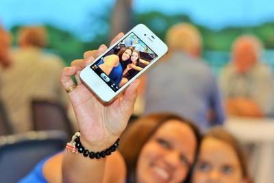 主打自拍,华为能凭借NOVA智能手机攻下女性市场吗?