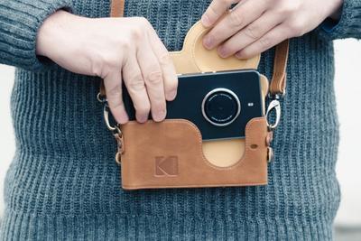 """柯达推首款智能手机:主打拍照功能 配备""""相机包"""""""