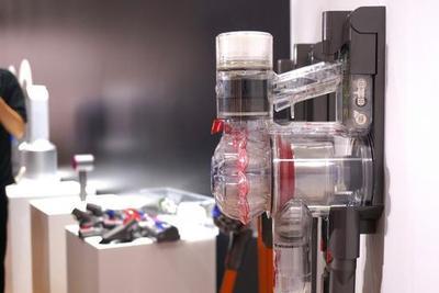 透明的吸尘器 吸的不是尘土而是寂寞