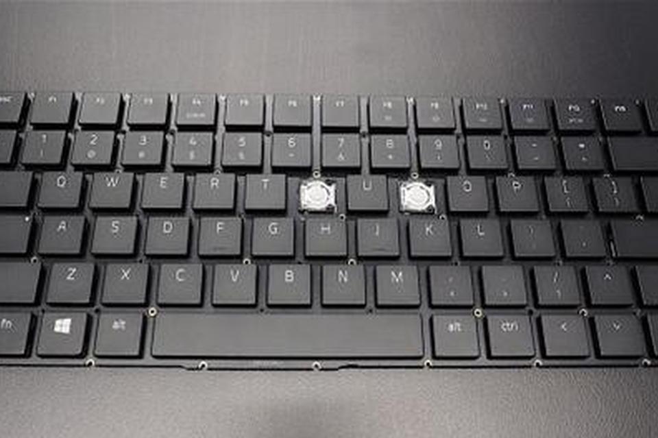 手感超一流 这台超极本加持了机械键盘