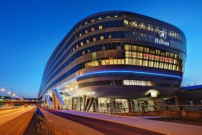 海航旅游65亿美元收购希尔顿25%股份 获两董事会席位