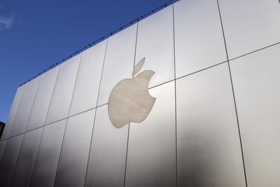 苹果手机或首现年销量下降 有消费者投诉手机燃烧