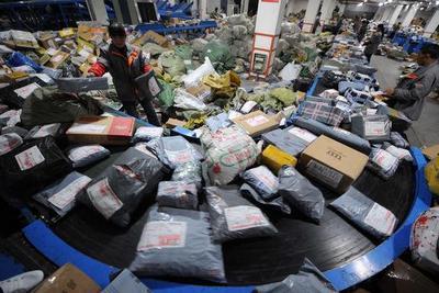 今年双11包裹或超10亿件 上市潮背景下快递公司集体迎大考