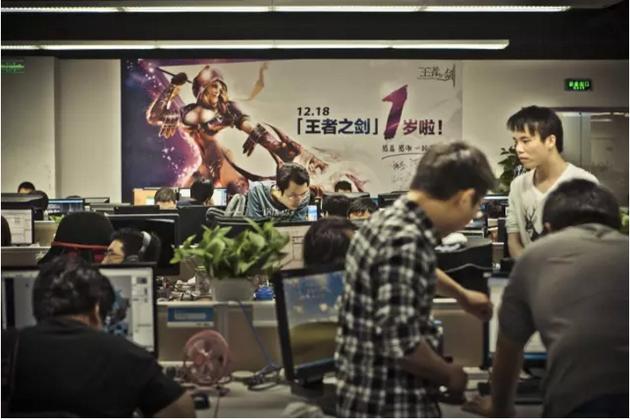 ▲ 创业者看到了游戏赚钱的能力,王峰在2007年3月成立蓝港互动。