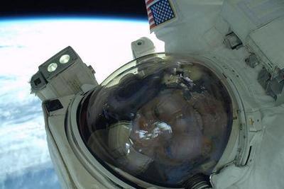 研究称长期太空任务致宇航员脊柱肌肉萎缩:难以恢复