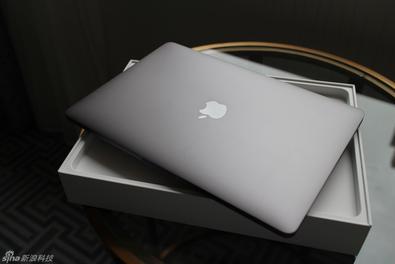 13寸入门版新MacBook开箱图赏
