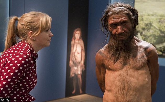 大约4万年前,我们人类与其他一些关系紧密的人族物种分享着这个星球,比如尼安德特人和丹尼索瓦人,或许还有马鹿洞人,甚至一些非洲的古老物种。