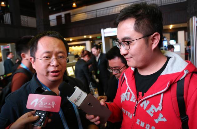 奇虎360董事长周鸿祎接受新浪科技采访